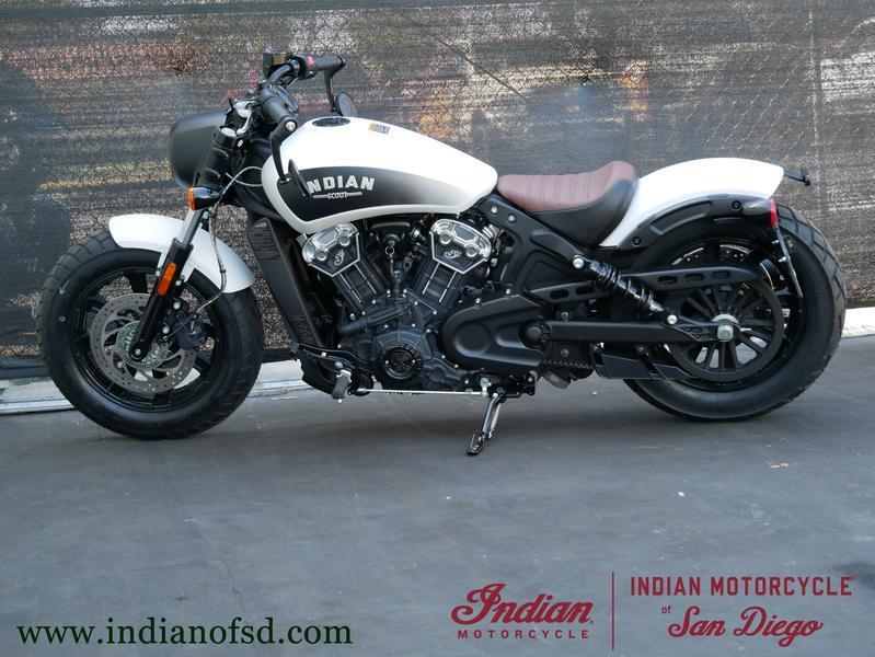 118-indianmotorcycle-scoutbobberabswhitesmoke-2019-5997680