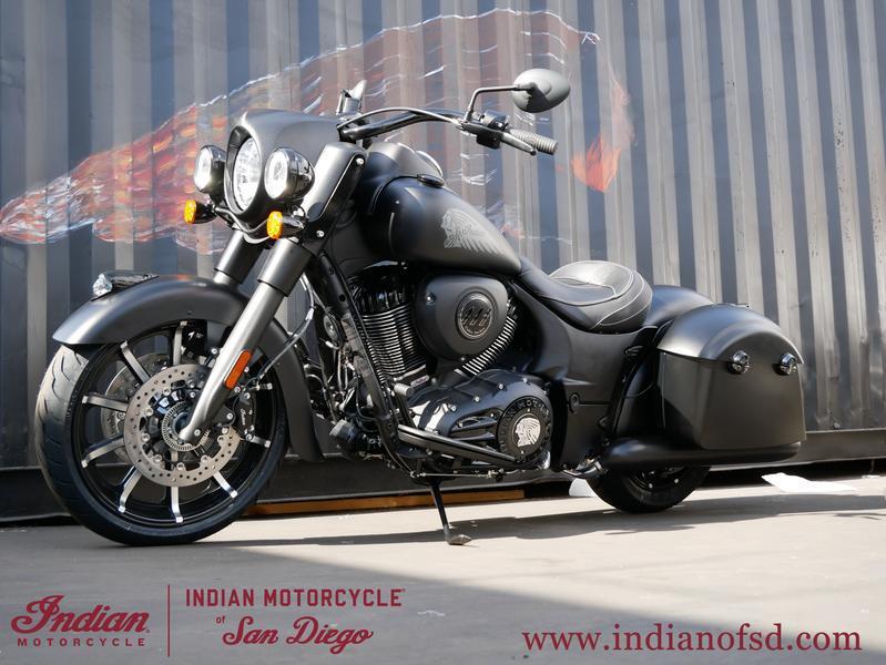 252-indianmotorcycle-springfielddarkhorsethunderblacksmoke-2019-6290292