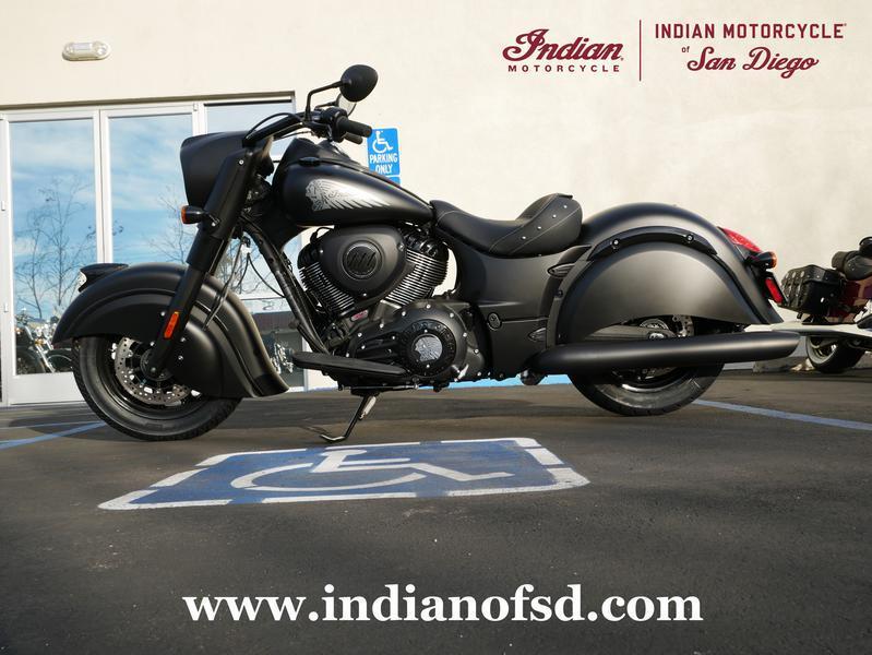 340-indianmotorcycle-chiefdarkhorsethunderblacksmoke-2019-6560602