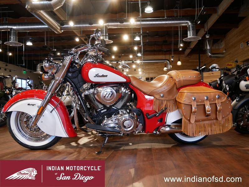 398-indianmotorcycle-chiefvintageiconseriespatriotred-pearlwhite-2019-6819634
