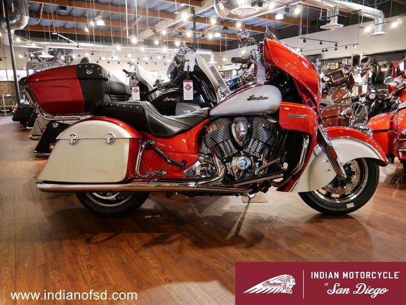 419-indianmotorcycle-roadmastericonseriesrubymetallic-pearlwhite-2019-6819635