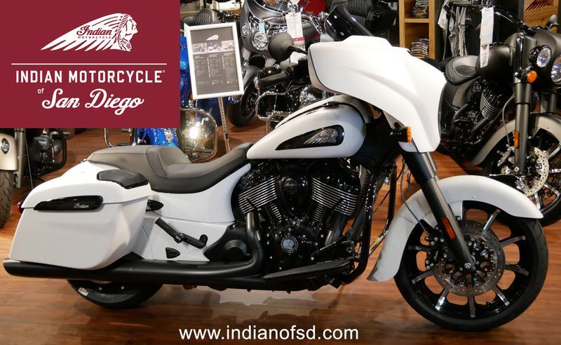 441-indianmotorcycle-chieftaindarkhorsewhitesmoke-2019-6819636