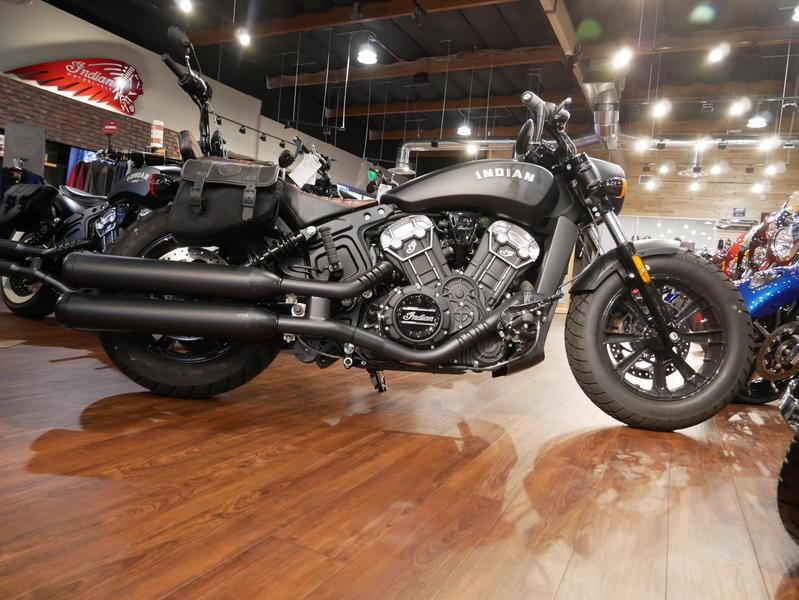 668-indianmotorcycle-scoutbobberabsthunderblacksmoke-2018-7109453