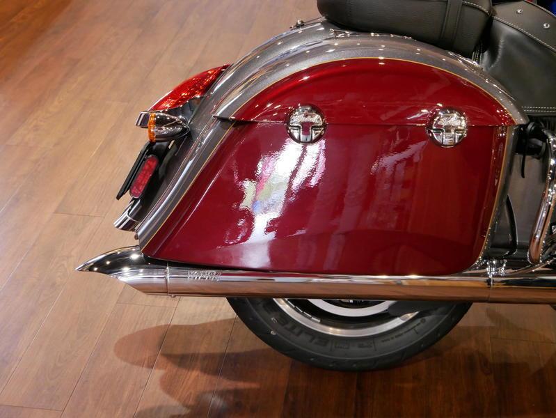 11-indianmotorcycle-springfieldabssteelgrayoverburgundymetallic-2018-5669898
