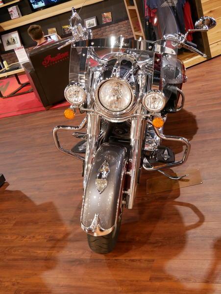 12-indianmotorcycle-springfieldabssteelgrayoverburgundymetallic-2018-5669898