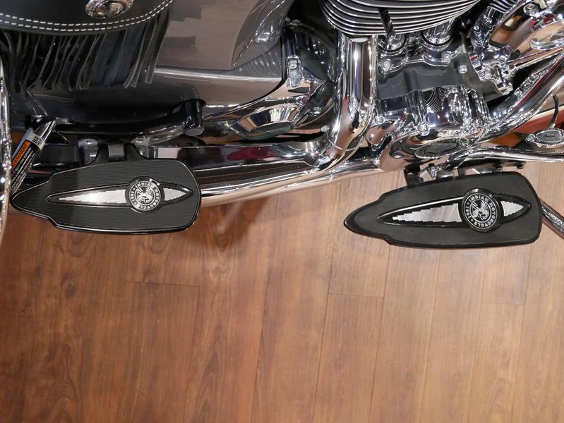 17-indianmotorcycle-springfieldabssteelgrayoverburgundymetallic-2018-5669898