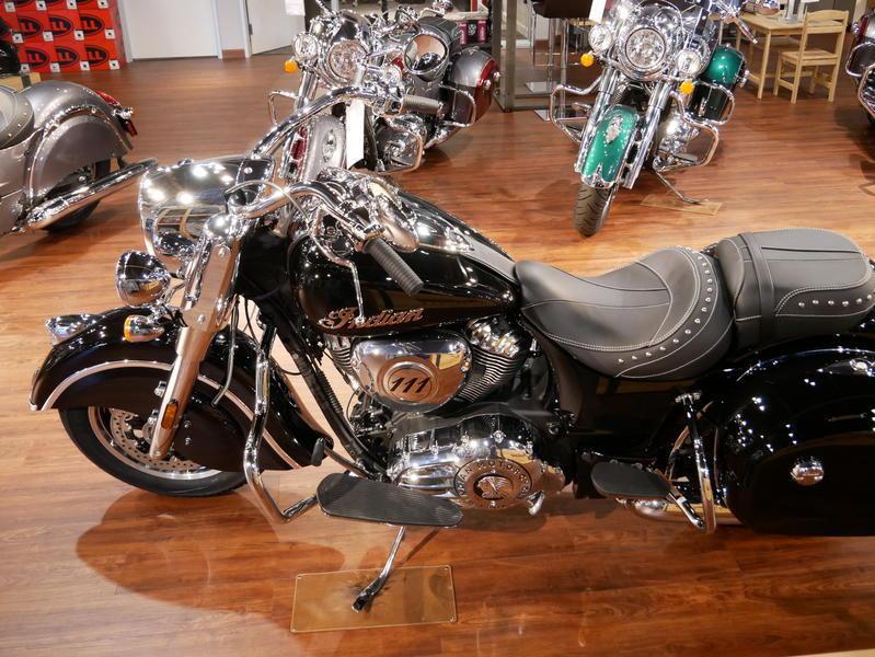 43-indianmotorcycle-springfieldabsthunderblack-2018-5748854