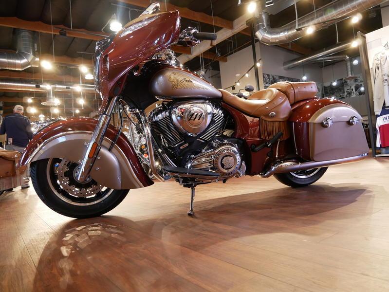 590-indianmotorcycle-chieftainclassiciconseriesburnishedmetallic-sandstonemetallic-2019-7057175