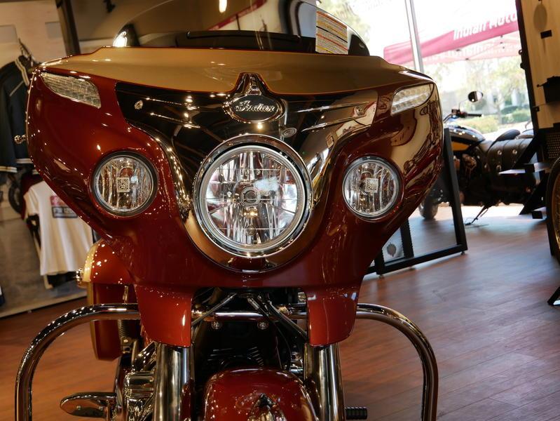 594-indianmotorcycle-chieftainclassiciconseriesburnishedmetallic-sandstonemetallic-2019-7057175