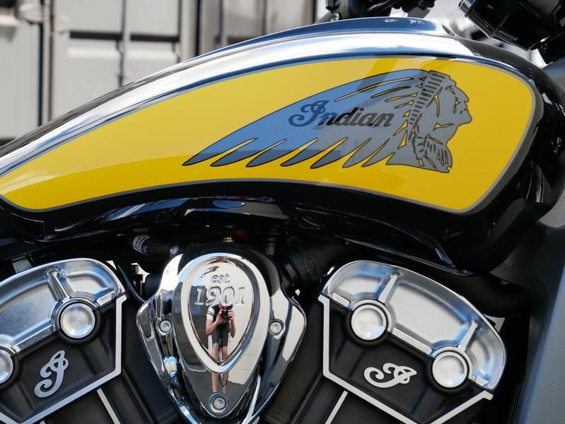 610-indianmotorcycle-scouticonseriesthunderblack-indianmotorcycleyellow-2019-7073870