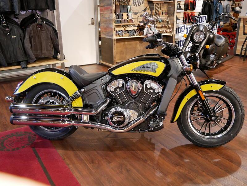 613-indianmotorcycle-scouticonseriesthunderblack-indianmotorcycleyellow-2019-7073870
