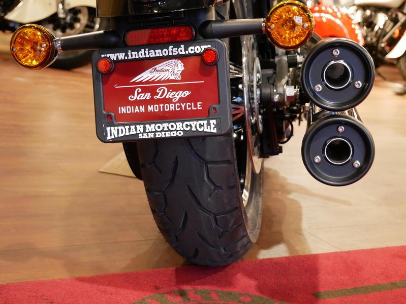 615-indianmotorcycle-scouticonseriesthunderblack-indianmotorcycleyellow-2019-7073870