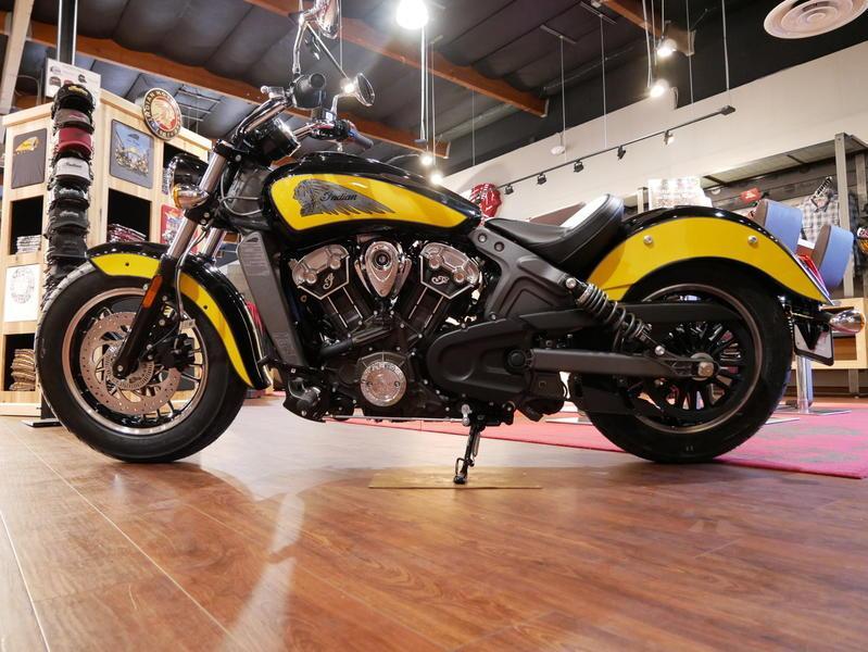 617-indianmotorcycle-scouticonseriesthunderblack-indianmotorcycleyellow-2019-7073870