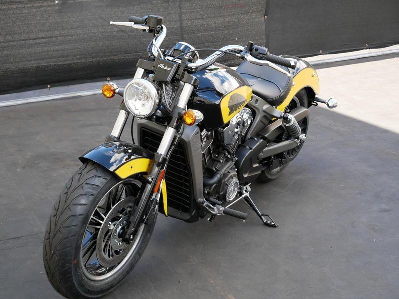 619-indianmotorcycle-scouticonseriesthunderblack-indianmotorcycleyellow-2019-7073870
