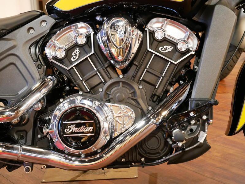 623-indianmotorcycle-scouticonseriesthunderblack-indianmotorcycleyellow-2019-7073870