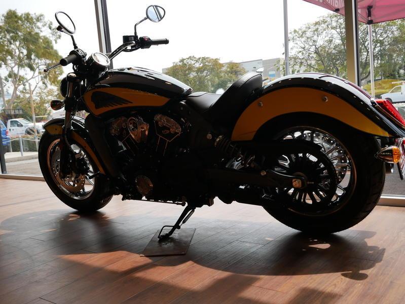 625-indianmotorcycle-scouticonseriesthunderblack-indianmotorcycleyellow-2019-7073870