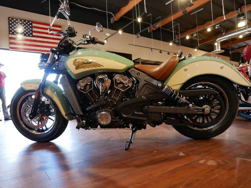 632-indianmotorcycle-scoutabswillowgreen-ivorycream-2019-7109450
