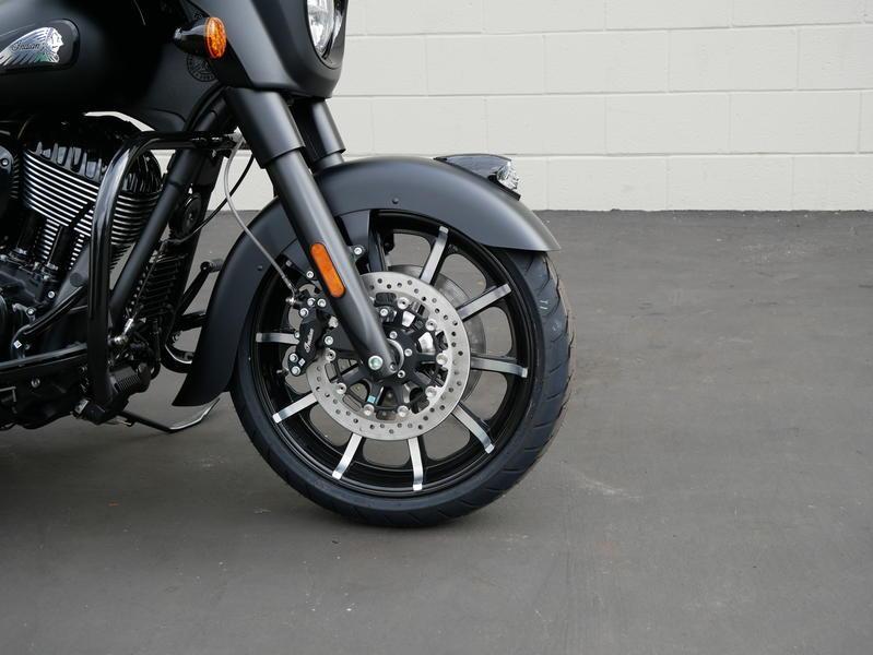 662-indianmotorcycle-chieftaindarkhorsethunderblacksmoke-2019-7109452