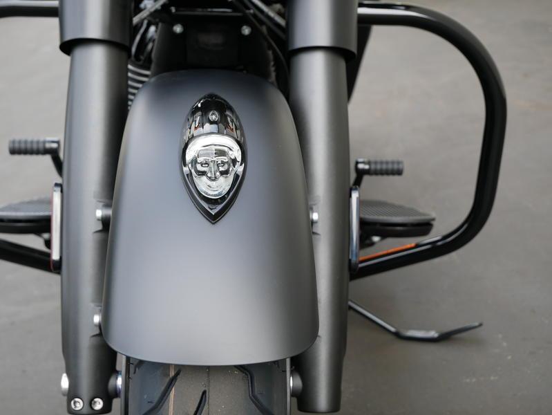 663-indianmotorcycle-chieftaindarkhorsethunderblacksmoke-2019-7109452