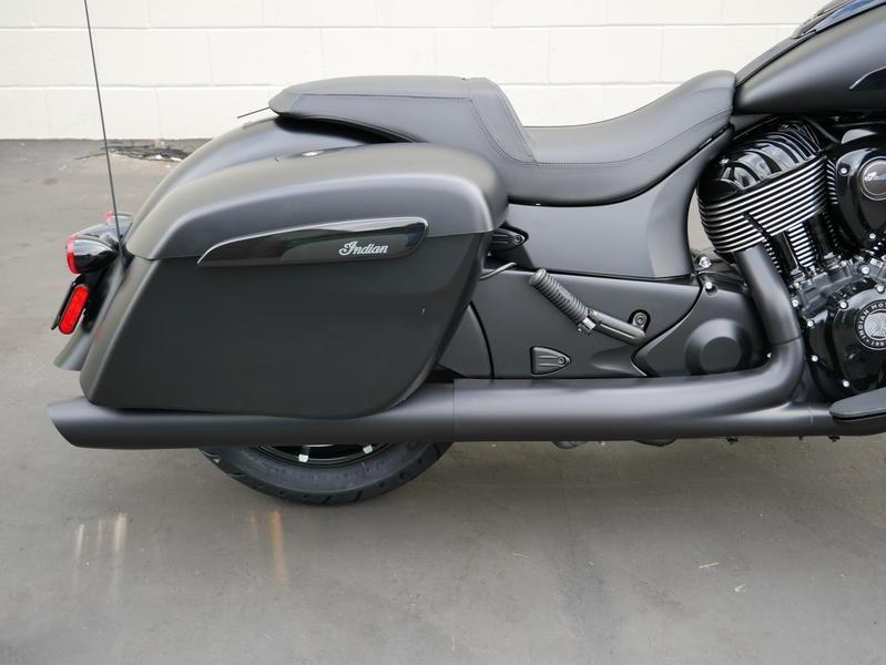 667-indianmotorcycle-chieftaindarkhorsethunderblacksmoke-2019-7109452