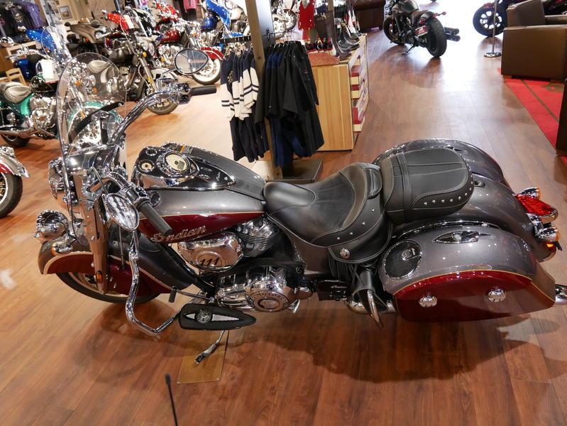 9-indianmotorcycle-springfieldabssteelgrayoverburgundymetallic-2018-5669898